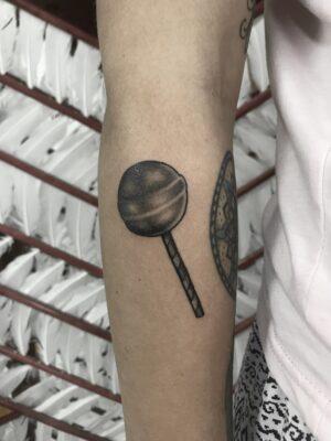 lollypop, lolly tattoo, amsterdam tattooer, light art tattoo, women tattooer