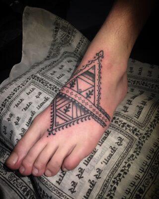 right_on_mountain_tattoo | Jevin tattoo Amsterdam